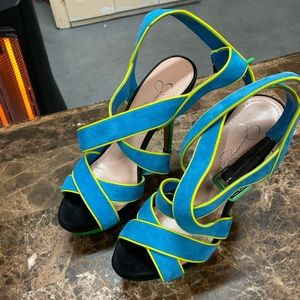 Summer shoes very nice size 7 half